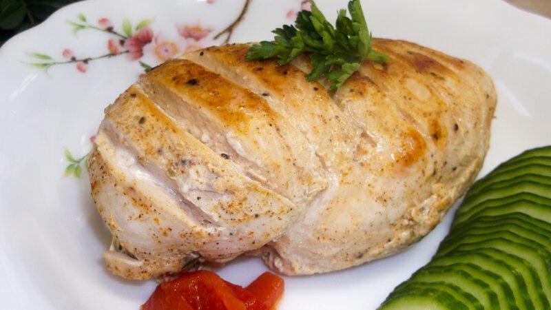 Надоела сухая куриная грудка? Рецепт самого Сочного Куриного Филе в пергаменте на сковороде видео, кулинария, рецепт