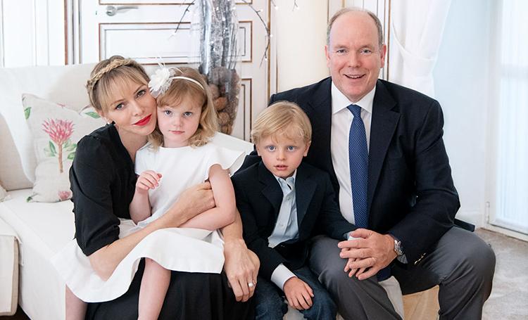 Князь Монако Альбер и княгиня Шарлен поделились новым портретом по случаю свадебной годовщины