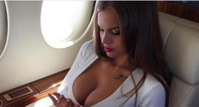 Рейс 4578. Прошли контроль, сидим в экономе, в хвосте, пассажиры почти все русские, кислые все…