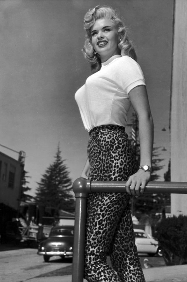 История моды: нагрудные