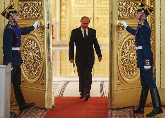 «Раз вы больше всего боитесь Путина, то вот вам Путин. Еще на шесть лет. Путин с таким мандатом, что вас это только протрясет»