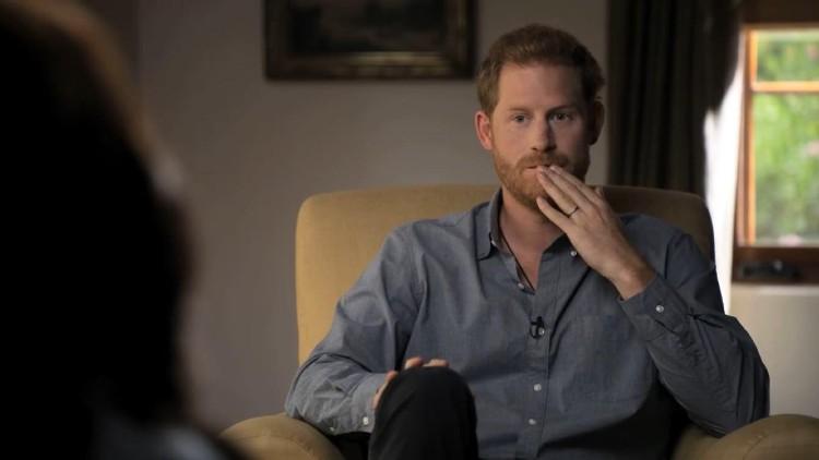 Меган Маркл, принц Гарри и их сын Арчи в первом трейлере документального сериала о психическом здоровье Монархи,Британские монархи