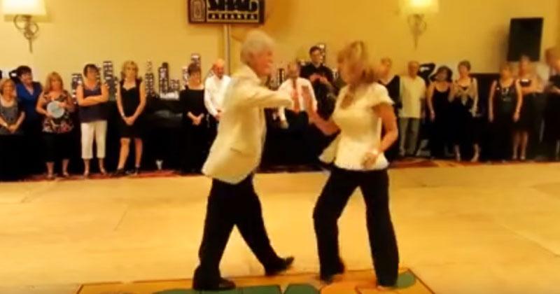 Когда эти два пенсионера вышли на танцпол, публика завизжала от восторга. Такого от пожилой пары не ожидал никто!