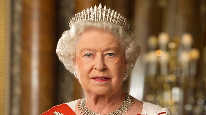 Британская королева Елизавета II поддерживает движение Black Lives Matter Шоу-бизнес