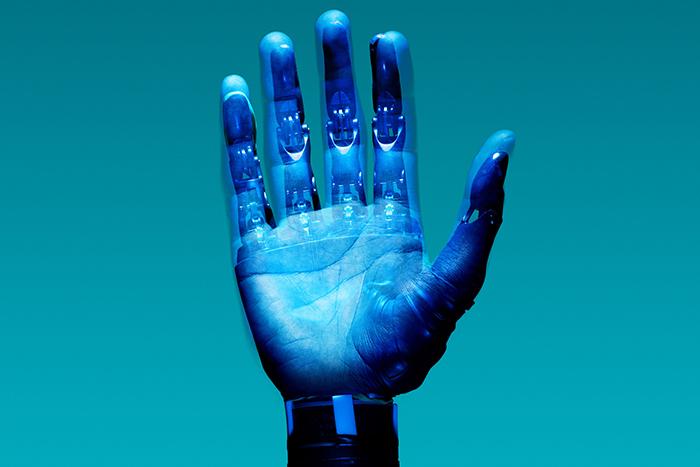Эпоха чипизации: можно ли превратить людей в киборгов?