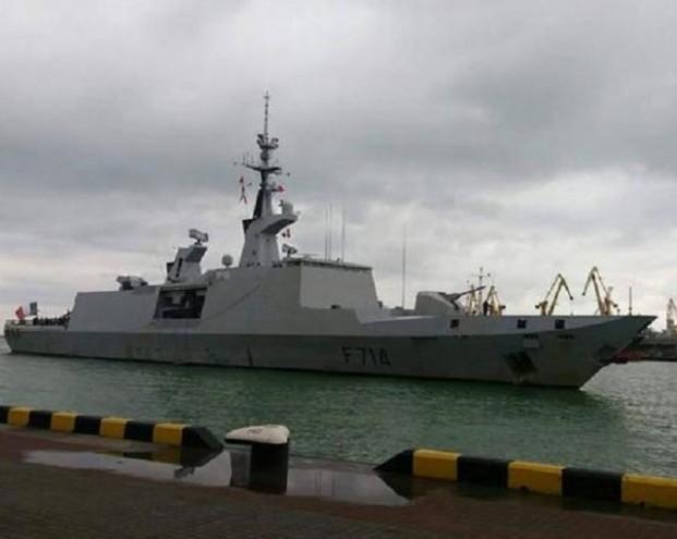 «Про невидимость расскажете «Бастиону»: в России предупредили стелс-фрегат ВМС Франции, зашедший в Одессу вслед за эсминцем США