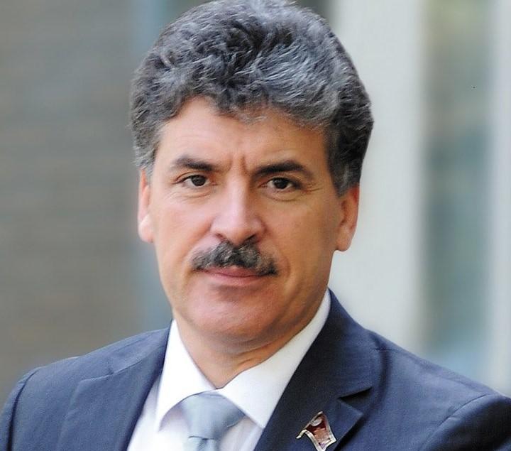 Павел Грудинин — кандидат в …