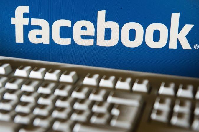 Facebook продолжает терять популярность у подростков