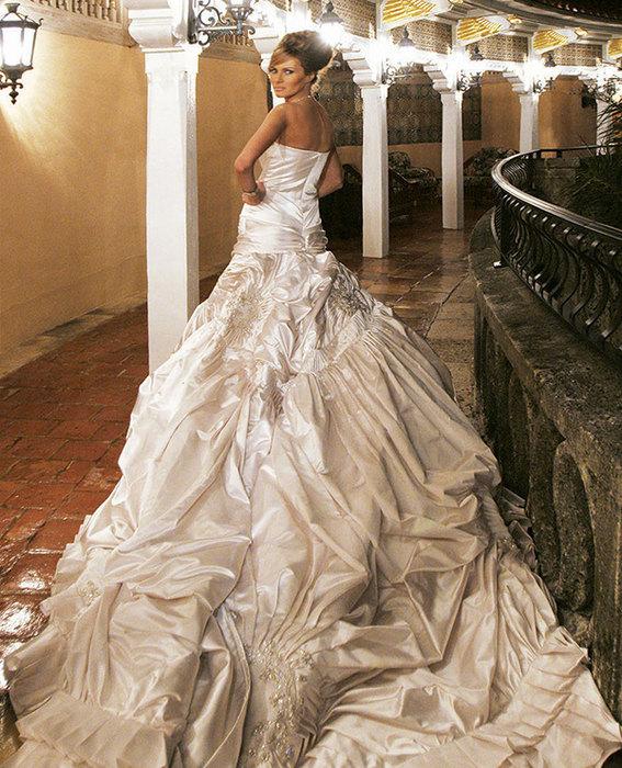 Свадебное платье за $200 000, или 11 фактов о новой первой леди США