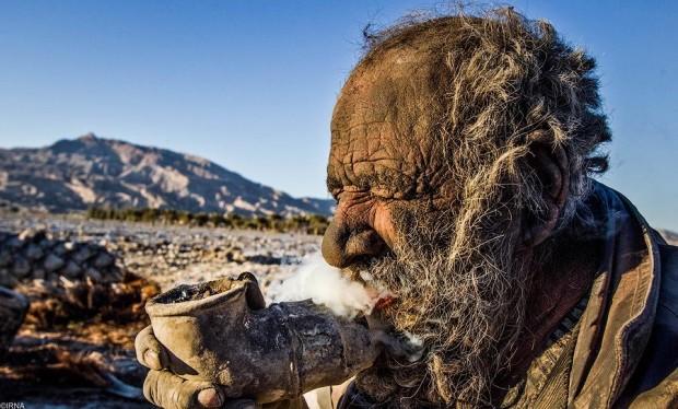 Иранец, который не моется уже 60 лет бродяга