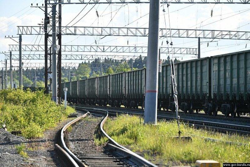 Мантуров рассказал о желании России строить железные дороги в Таиланде