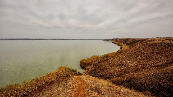 Потрясающая дикая природа озера Кызыл-яр в Крыму