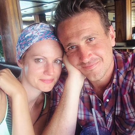 """Звезда сериала """"Как я встретил вашу маму"""" Джейсон Сигел и его девушка Алексис Микстер расстались после восьми лет отношений Звездные пары"""