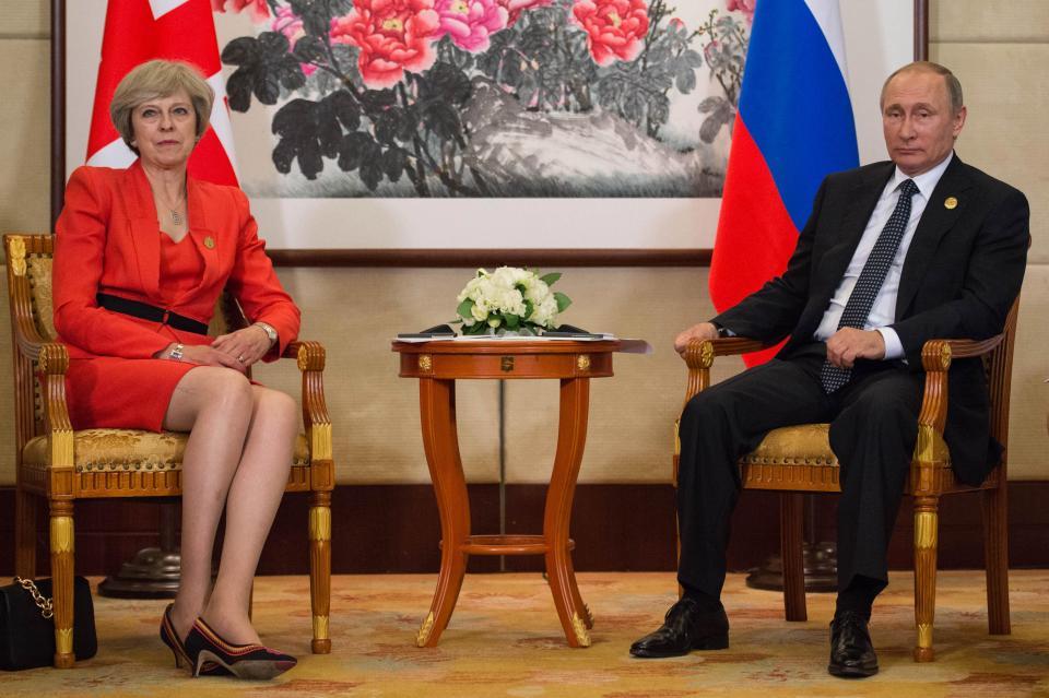 """""""Российская шпионская сеть в клочья"""": британская пресса пестрит ликующими заголовками после волны изгнаний, обрушившейся на российских дипломатов"""