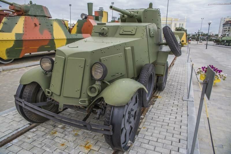 Рассказы об оружии. Колёсный танк БА-10
