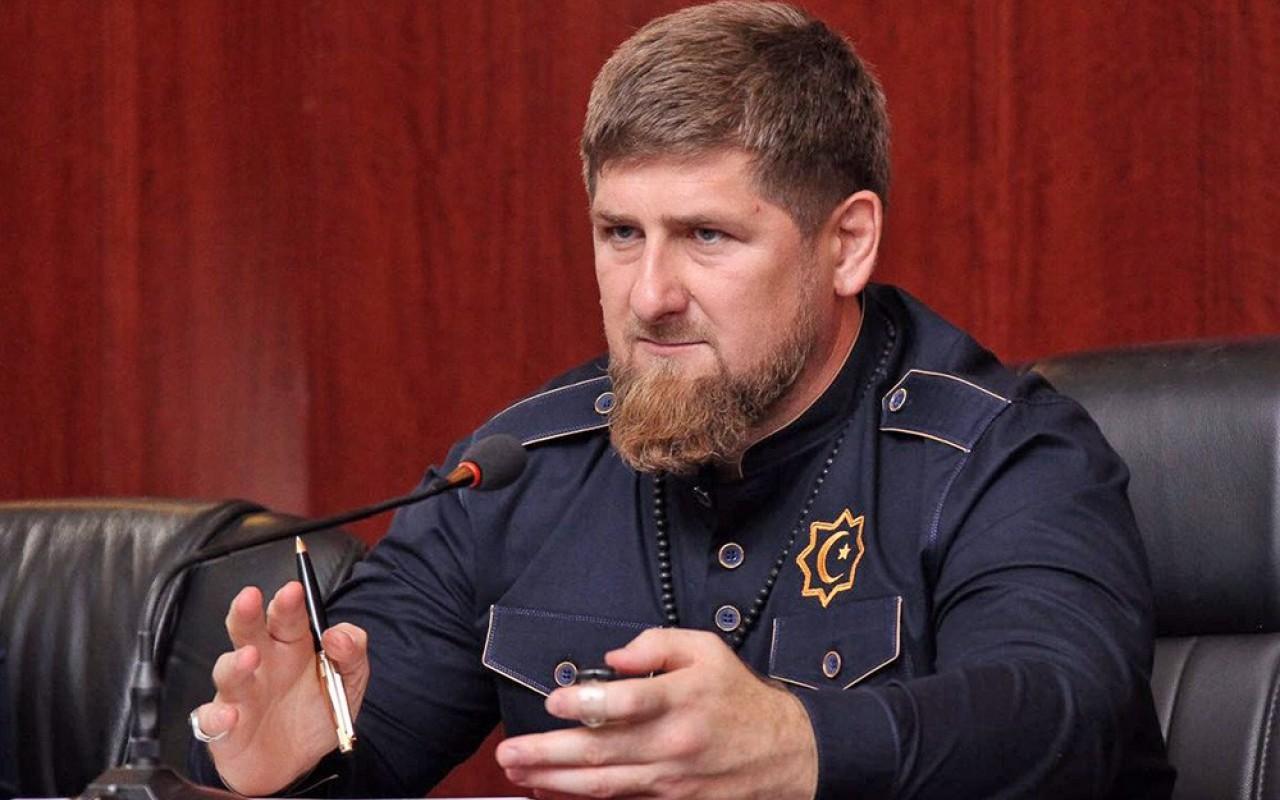 Кадыров рассказал, ктостоит…