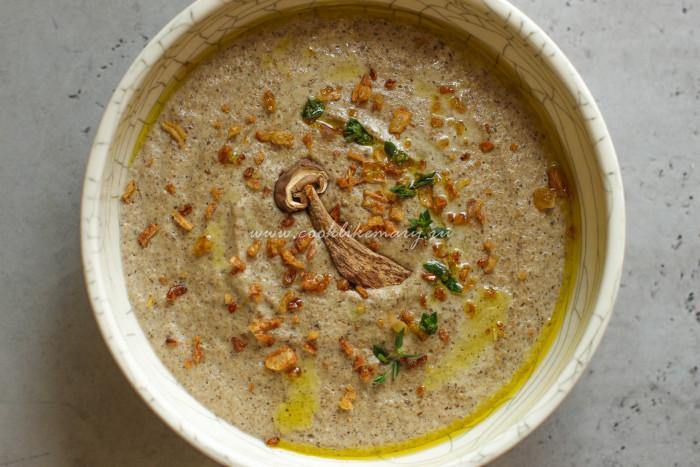 Крем-суп из шампиньонов сушеные, сливки, подачи, Кремсуп, грибы, Добавьте, кастрюлю, прекрасно, добавьте, мл•Сливки, вместе, тимьяном3Сложите, чесноком, обжаренные, ингредиенты, высокую, влейте, измельчите, Обожаю, используете