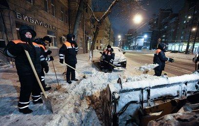 Москва приходит в себя после снегопада века