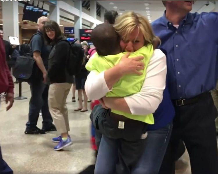 Семья ждала своих приемных детей 3 года — их не выпускали из Конго