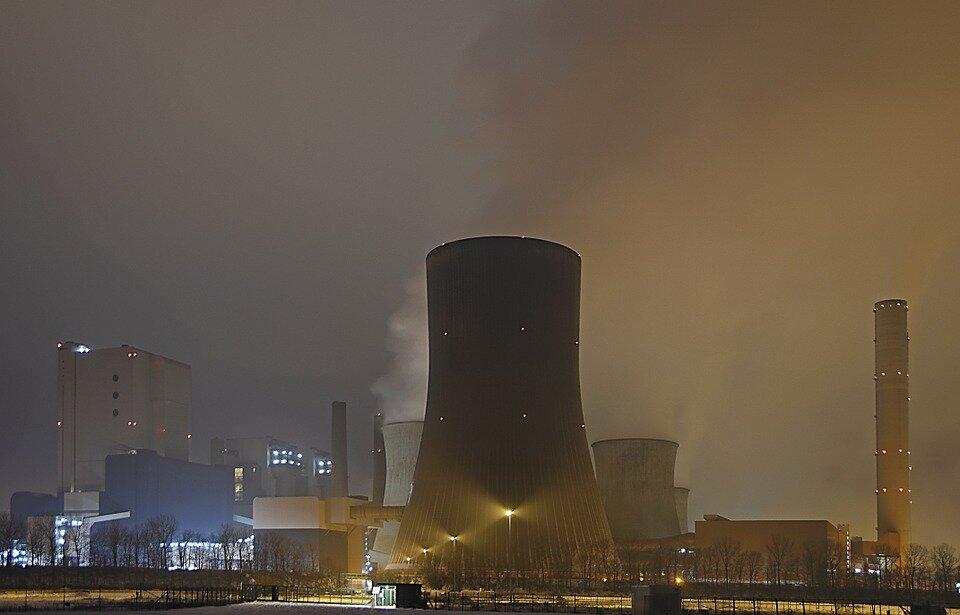 Источник: https://cdn.pixabay.com/photo/2014/10/23/15/52/nuclear-reactors-499907_960_720.jpg