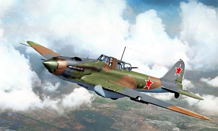 Для чего на нос легендарного штурмовика Ил-2 наносились белые полосы