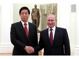 России надо уйти от лобового столкновения с США