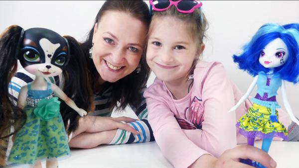 Видео с игрушками: интересный обзор куклы Пеппер Парсон (Pinkie Cooper). Видео для детей.