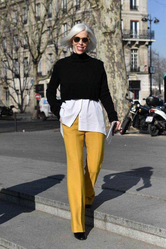 Яркие брюки смотрятся по-весеннему красочно и стильно. /Фото: i.pinimg.com