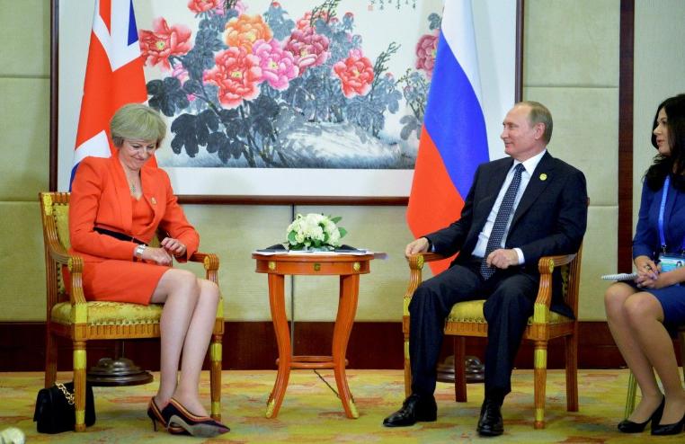 Мэй непревзойденно сыграла на подтанцовке у Владимира Путина