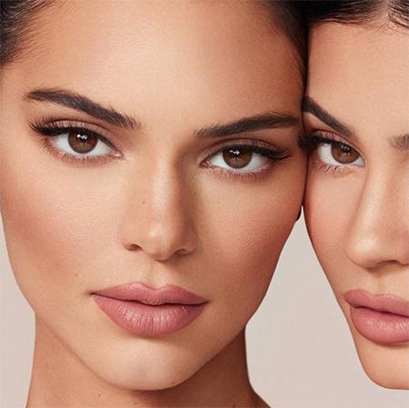 Кайли и Кендалл Дженнер представили рекламную кампанию их бьюти-коллаборации Красота,Макияж
