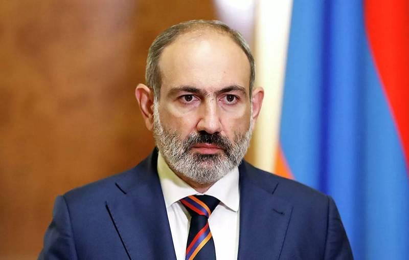 Против Пашиняна выступили армянские генералы Новости