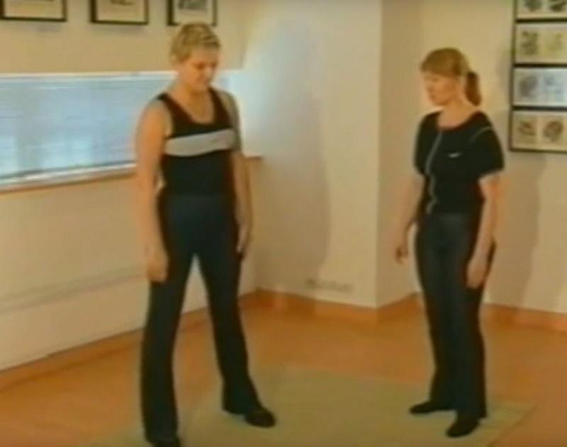 Как носить одежду с коротким рукавом без стеснения
