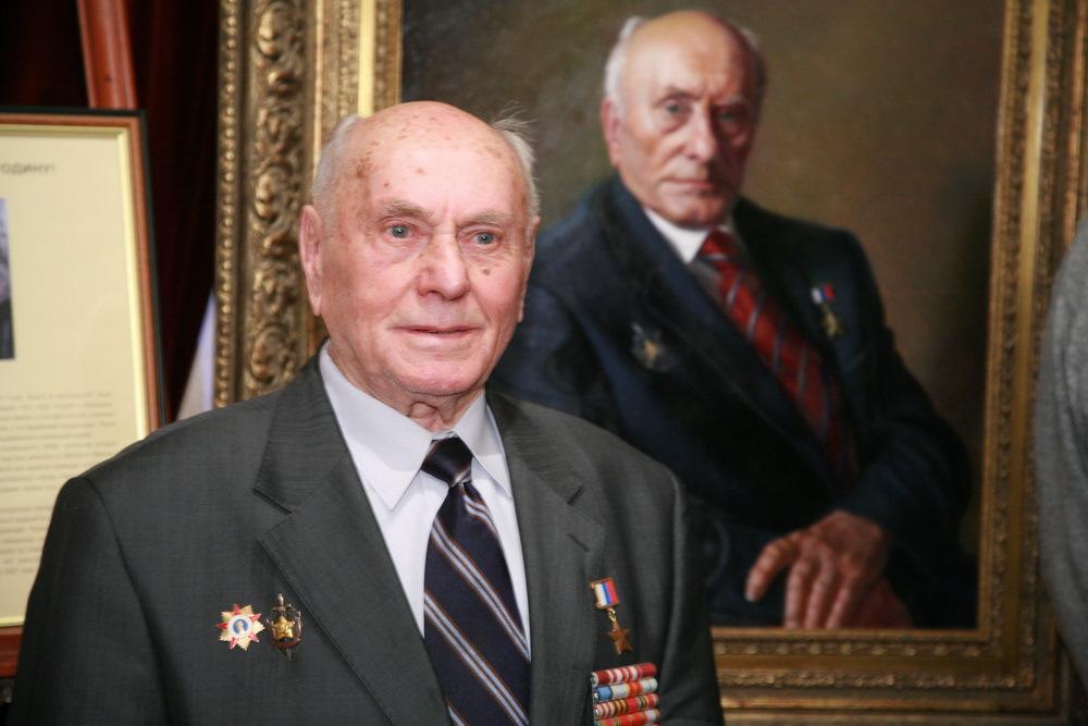 Легендарный разведчик Алексей Ботян: Героем России он стал на своё девяностолетие