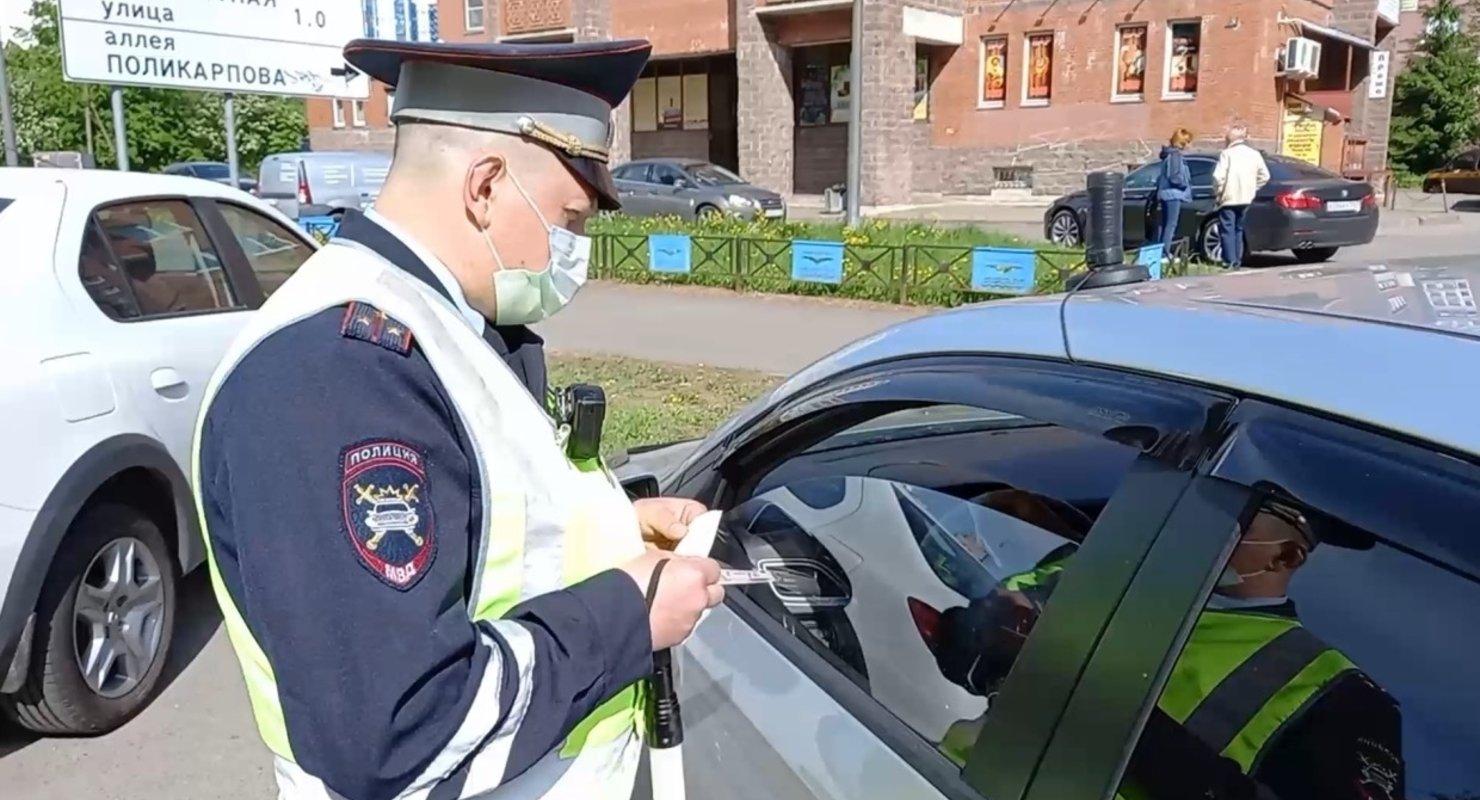 В МВД планируют выявлять пьяных водителей с помощью экспресс-тестов Автомобили