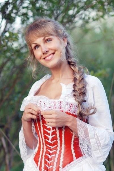 Русская коса и девушки с косами изоражения