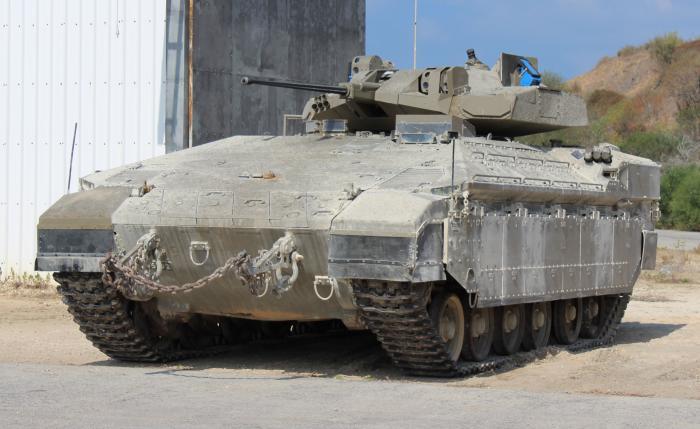 В Израиле продемонстрирован тяжёлый БТР Namer с башней и пушечным вооружением