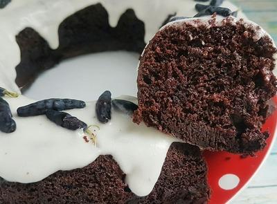Шоколадный пирог с жимолостью  кулинария,сладкая выпечка