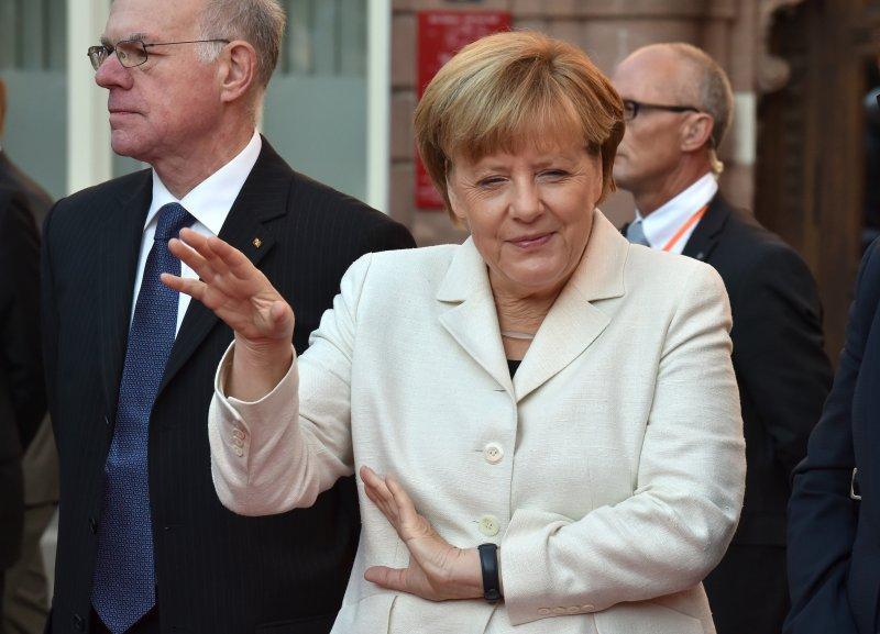 Меркель заявила о двойных ст…
