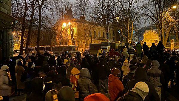 В Киеве задержали семнадцать участников протестов у офиса Зеленского Лента новостей