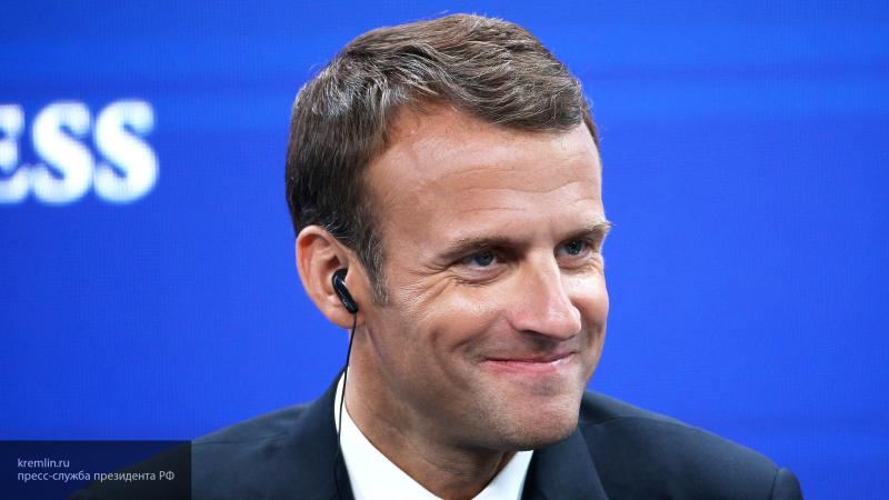 """Макрон заявил, что обратится к Европе с """"предупредительным выстрелом""""—СМИ"""