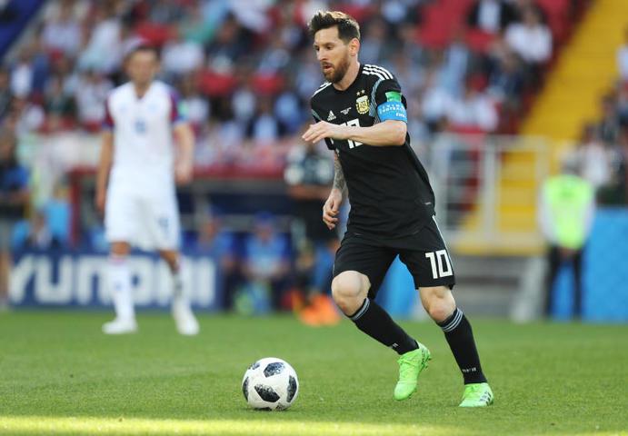 Стало известно, сколько зарабатывают топовые футболисты мира