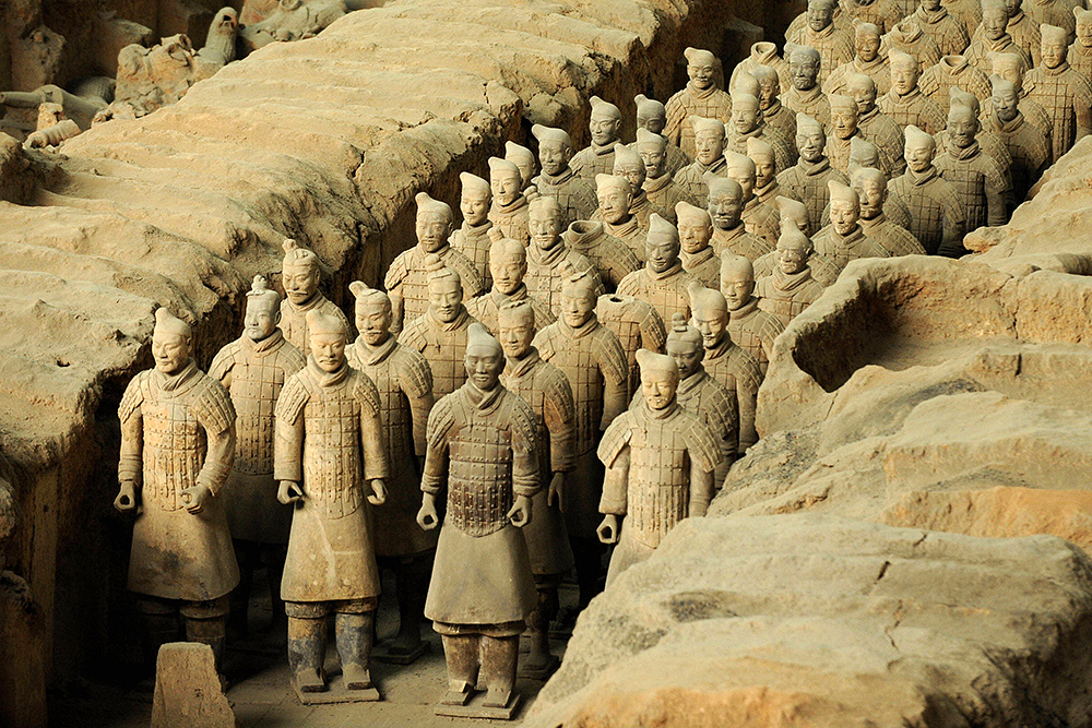 terra cotta soldiers of the qin This terra cotta warrior stands proud in his suit of armor, an  chinafurnitureonline 24in qin style standing terracotta soldier display statue by chinafurnitureonline.