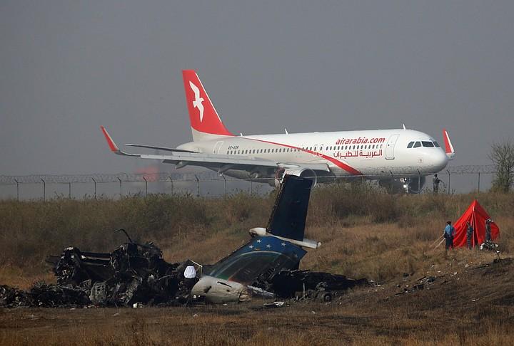 Найден черный ящик разбившего в Непале пассажирского самолета