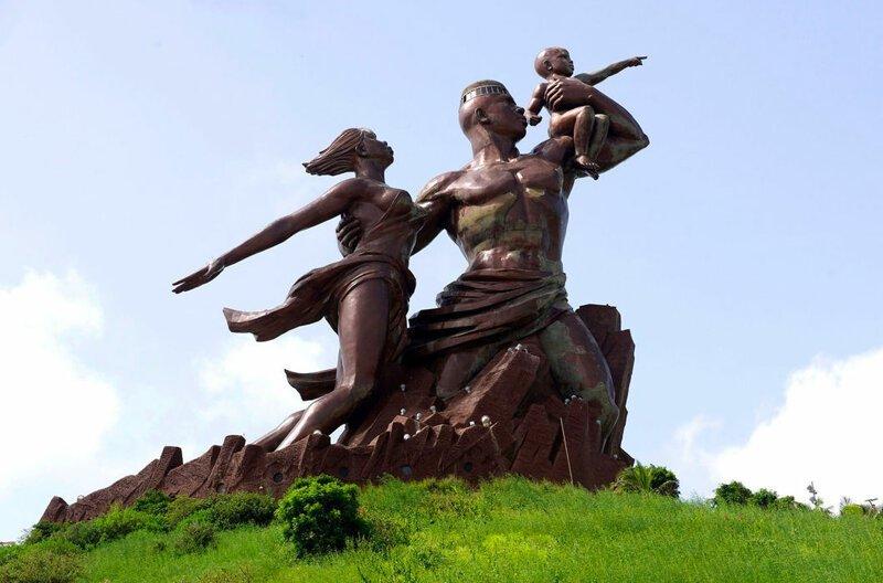 39-е место — у монумента «Возрождение Африки», 49 м, на холме в Дакаре, столице Сенегала. Открыт 4 апреля 2010 года, в 50-ю годовщину подписания соглашения о предоставлении Сенегалу независимости от Франции в мире, высота, красота, люди, памятник, подборка, статуя, факты
