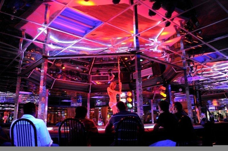 14. Стрип-клубы и американцы pole dance, пилон, стрип-клуб, стриптиз, стрипы, танец