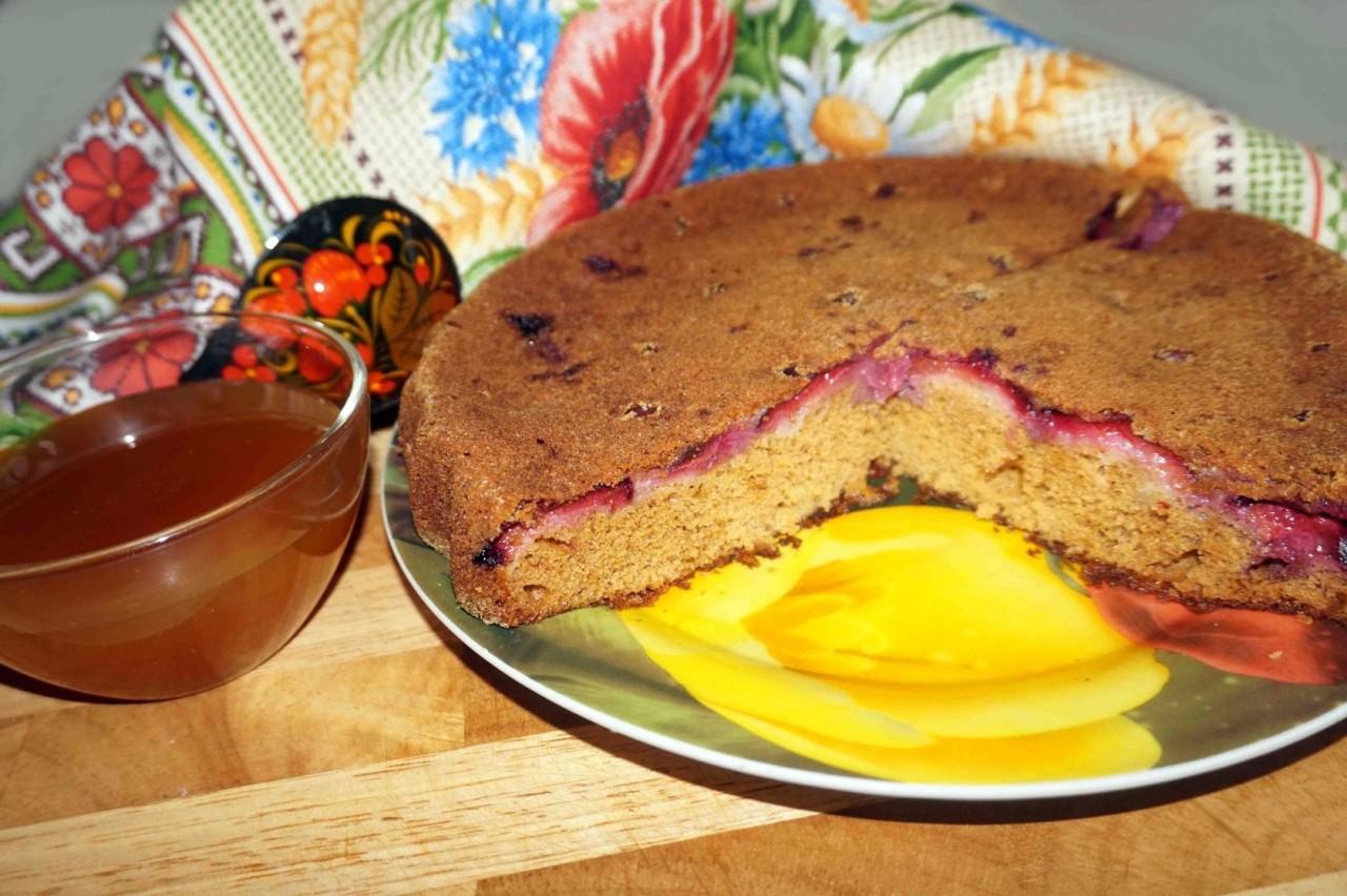 Медовый пирог со сливами - к Медовому спасу!