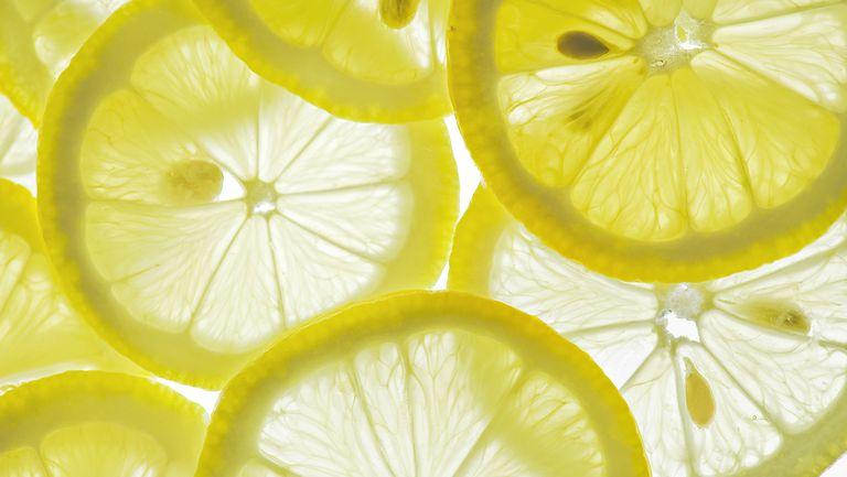 Чтобы уменьшить кислотный рефлюкс, следует избегать определенных продуктов