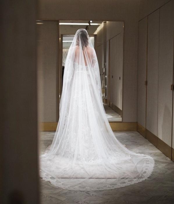 Подвенечное платье от российского бренда Edem. / Фото: fakty.ua