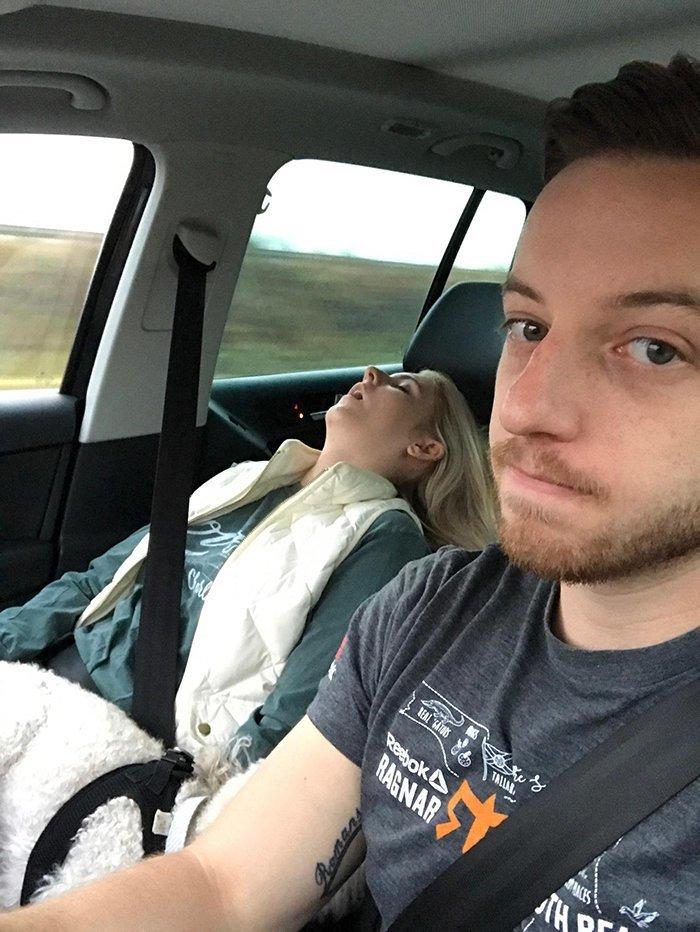 """Эти """"веселые"""" поездки с женой жена, машина, муж, пара, поездка, сон, фото, юмор"""