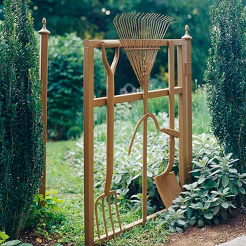 """Необычные """"амплуа"""" обычных садовых инструментов"""